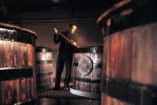 glenfiddich_single_malt_scotch_barrels_vats_distilling_process