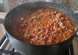Chili_recipe_chili_pot_cookout_grill_chili_con_carne_beef_chili