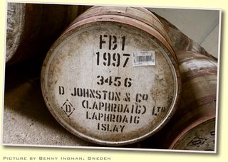 Laphroaig_single_malt_scotch_barrel_at_Laphroaig_distillery_Islay_Scotland